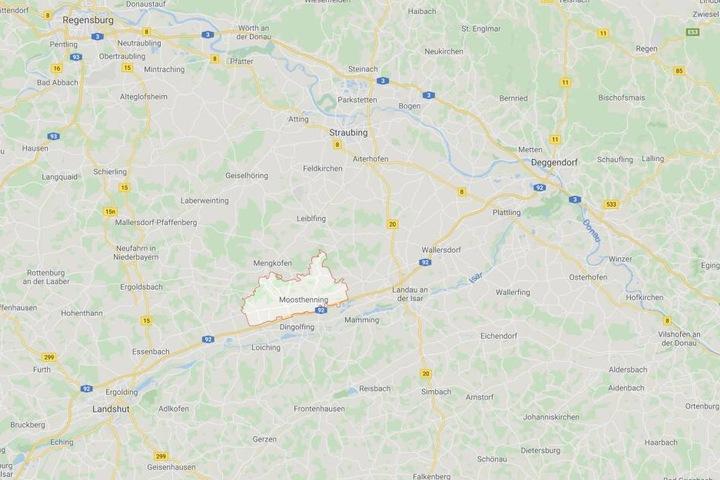 In Moosthenning hat die Lügengeschichte zweier Kinder für einen Polizeieinsatz gesorgt.