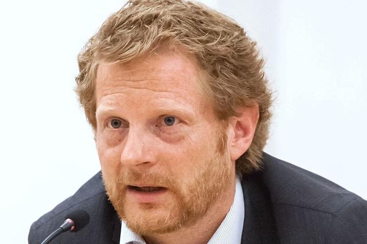 Baubürgermeister Michael Stötzer (45, Grüne) weiß nur, dass die Sanierung teurer wird. Um wie viele Euro, weiß er nicht.