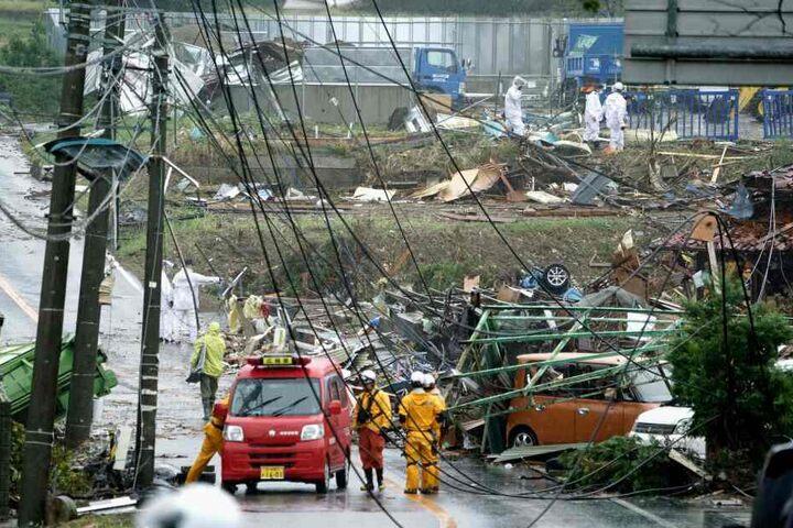 """In Japan hat der heftige Taifun """"Hagibis"""" erste Schäden angerichtet. In der Tokioter Nachbarprovinz Chiba wurden einzelne Häuser durch Sturmböen beschädigt."""