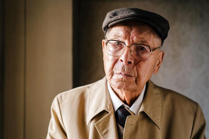 Der frühere Richter Gerd Böhnke (Otto Mellies, 88) verhängte in der DDR die Todesstrafe.