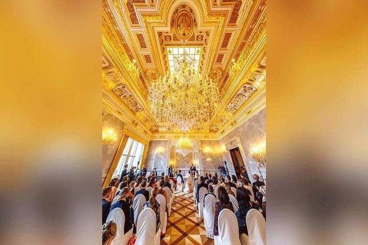 Im kleinen Ballsaal des Residenzschlosses durfte noch nie ein Paar heiraten. Bis jetzt.