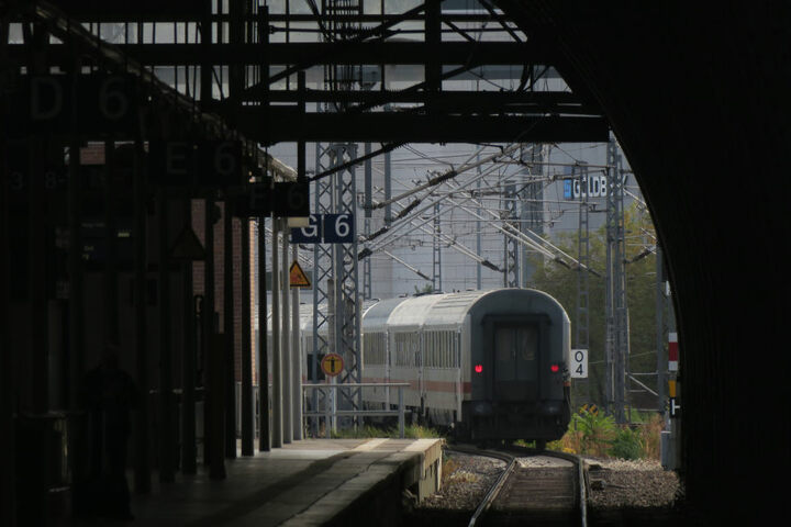 Die neuen Züge fahren bis nach Kassel. (Symbolbild)