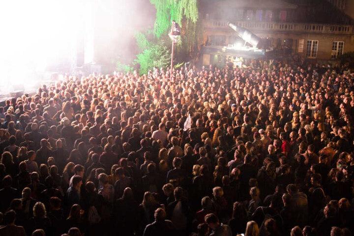 Das Campusfest zieht jedes Jahr tausende Feier-Freunde auf dem Campus am Sportforum.