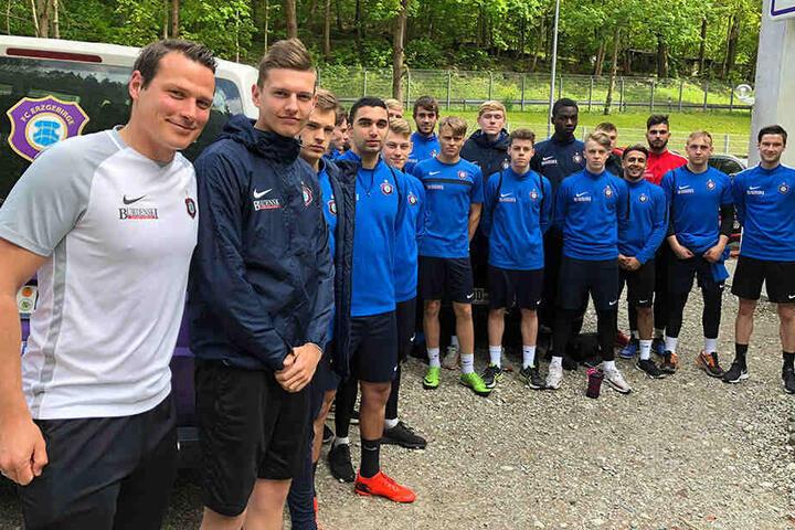 """Marc Hensel (l.) soll 2. Co-Trainer werden. Derzeit trainiert er noch die """"U19"""" der Veilchen."""