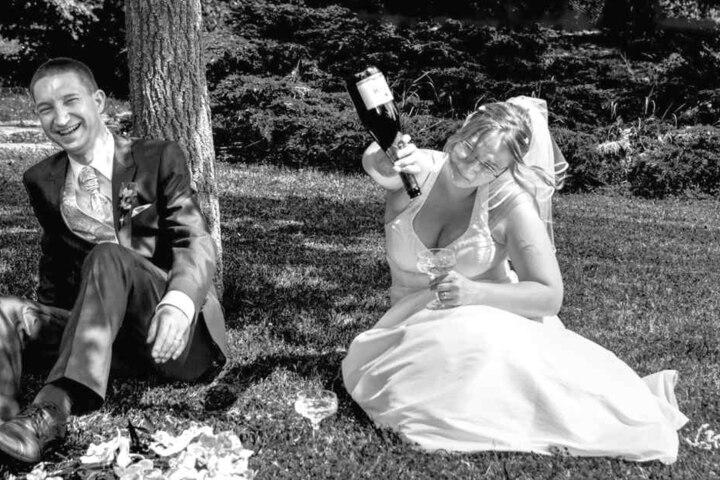 Hochzeit in Syrau: Braut Anja hat noch Durst.