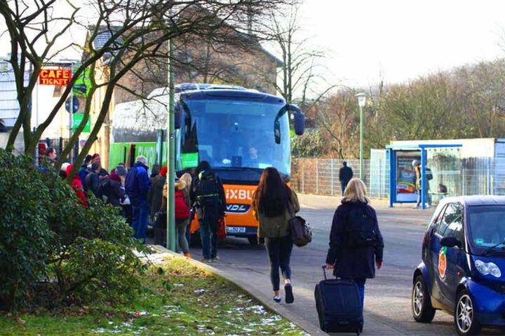 Für Reisende, die nur wenig Geld ausgeben wollen, ist der Fernbusbahnhof in Bielefeld ein Gewinn.