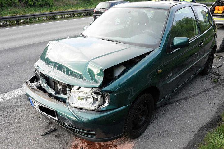 Der Unfallwagen war am Ende nur noch Schrott.