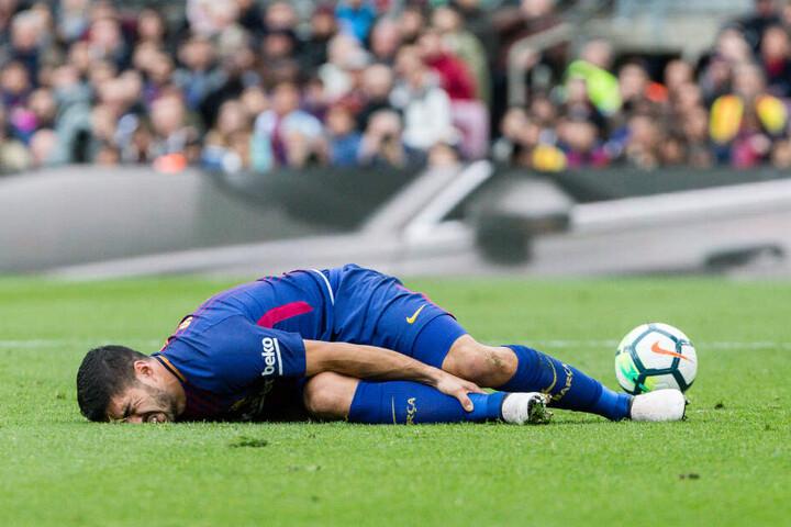 Luis Suarez fällt aufgrund seiner Knieverletzung mindestens für vier Monate aus.