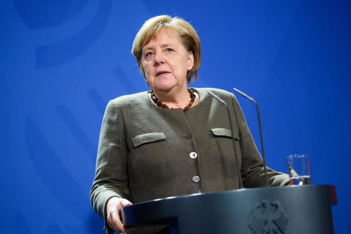 Angela Merkel wird ihren Vorsitz der CDU abgeben.