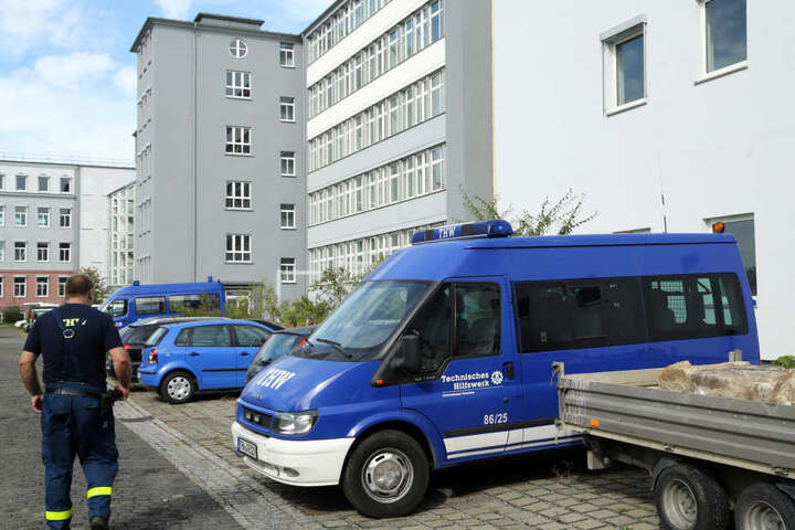 Das ehemalige Technische Rathaus an der Hamburger Straße in Dresden. Die EAE ist eine der wenigen, die dauerhaft ausgebaut wird (1600 Plätze). Momentan leben hier 338 Menschen.