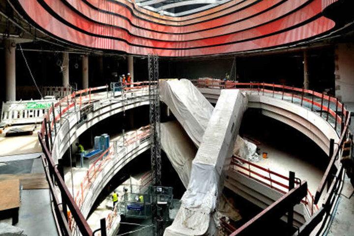 Die Expressrolltreppe führt auf 28 Meter Länge direkt in die LOOM Kitchen.