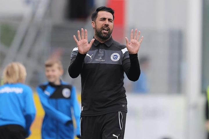 Lotte-Trainer Ismail Atalan ist heißer Kandidat als Nachfolger von Domenico Tedesco, der vom Erzgebirge zu Schalke 04 gewechselt ist.