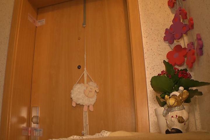 Hinter dieser Tür versteckte Steffi S. ihre beiden toten Babys über Jahre in einer Tiefkühltruhe.