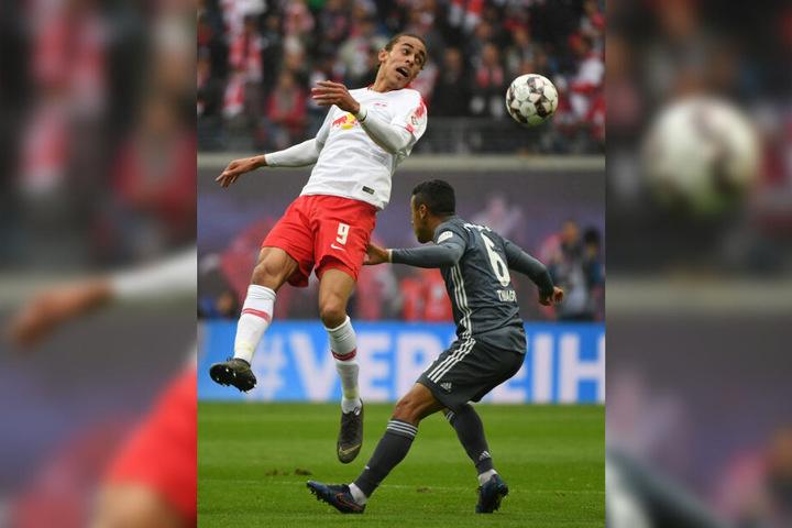 Thiago musste aufgrund einer Verletzung in der 81. Minute ausgewechselt werden.