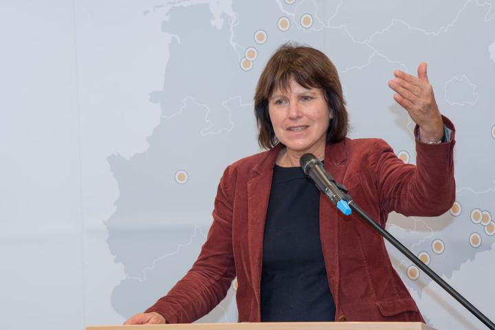 Chefin des Aufsichtsrates der Wasserwerke Zwickau: Oberbürgermeisterin Pia Findeiß (61, SPD). Das Unternehmen investiert in 2018 insgesamt 20 Millionen Euro.