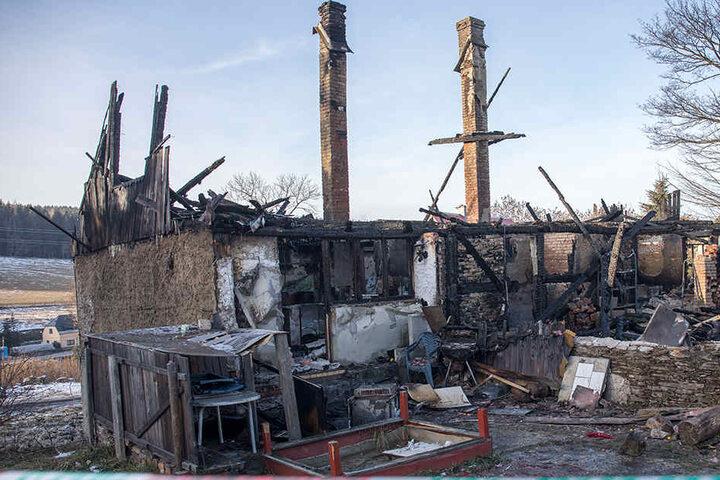Die Bewohner des Hauses haben bei dem Brand alles verloren.