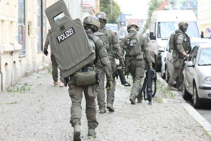 Auch SEK-Beamte waren im Einsatz.