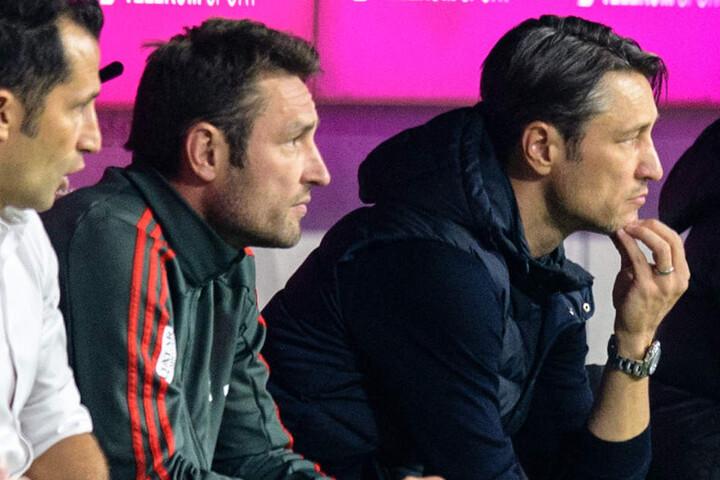Trainer Niko Kovac (r.) ist gefordert, sonst droht das Aus beim FC Bayern München.