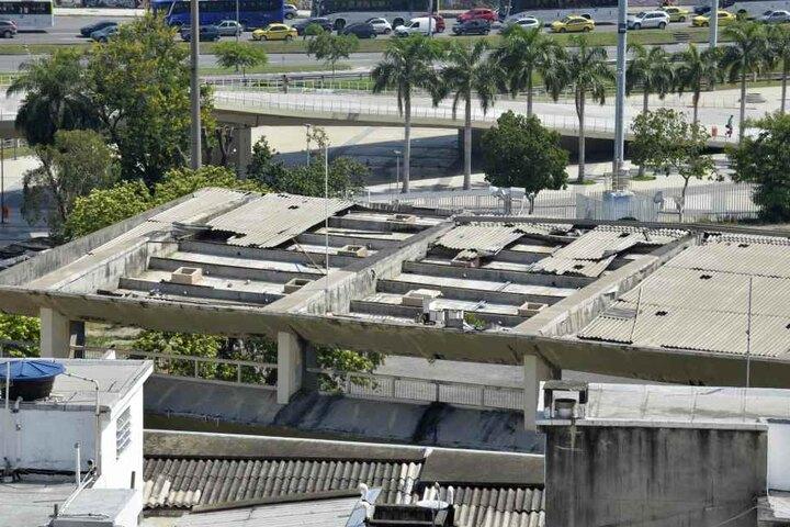 Wegen nicht behobener Schäden, weigert sich die Betreibergesellschaft das Stadion zu übernehmen.