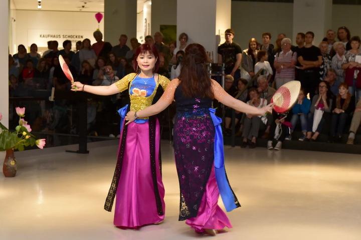 Der Verein der Vietnamesen in Chemnitz zeigte traditionelle Tänze im smac.