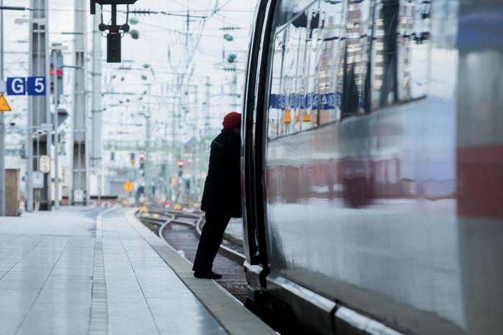 Nichts ging mehr am Kölner Hauptbahnhof am Donnerstagabend.