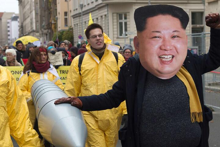 Voller Körpereinsatz auch bei der Darstellung von Nordkoreas Diktator Kim Jong un.
