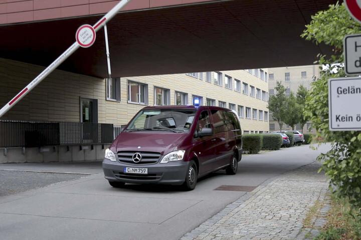Haftrichtervorführung der beiden Verdächtigen in Chemnitz am Montag. Der Haftbefehl offenbart viele Details der Tat.