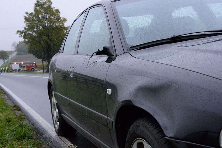 Der Audi A4 traf den Radfahrer mit der rechten Front und dem Spiegel.