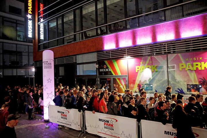Wegen eines Wasserschadens in diesem Jahr nicht bei der Unity Night dabei:  der Musikpark Dresden am Wiener Platz.