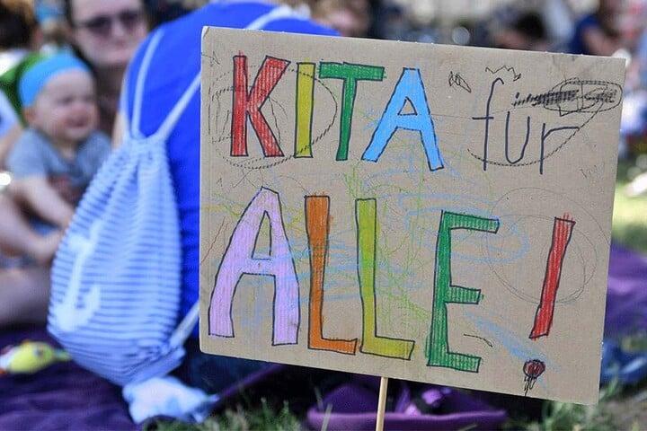 Für Kitas oder Berufsschulen - bessere Bildung soll gemeinsam erstritten werden.