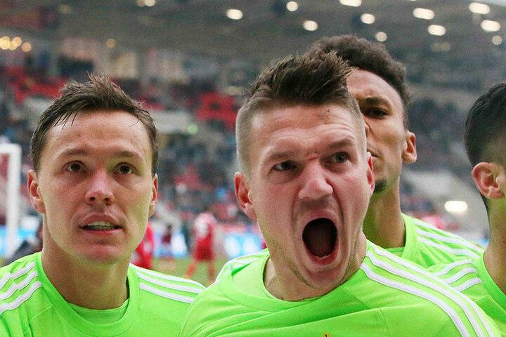 Frahn schreit es heraus: In der 75. erzielte der CFC-Stürmer den Siegtreffer.