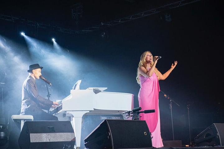 Bei einem Auftritt im Mai standen die beiden bereits gemeinsam auf der Bühne, da wurde die Idee zum Duett geboren.