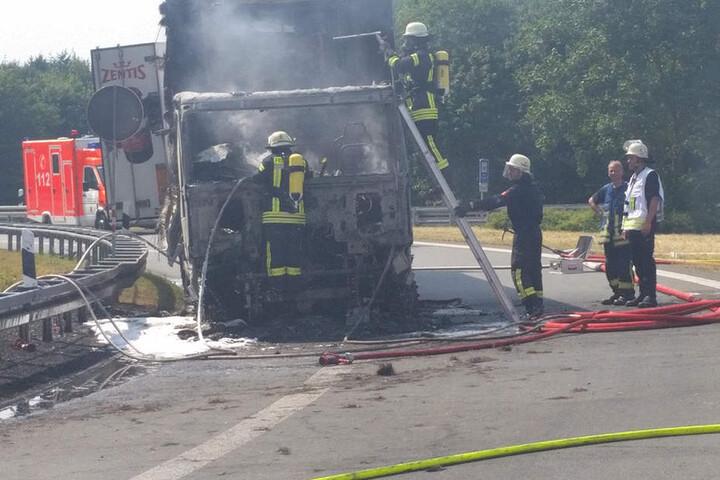 Knapp 50 Feuerwehrleute kamen zum Einsatz.