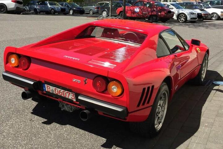 Der Ferrari sollte für über zwei Millionen Euro verkauft werden.