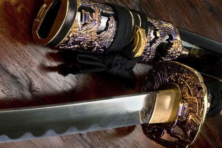 Bei sich trug der Übeltöter ein angeschliffenes Deko-Samuraischwert. (Symbolbild).