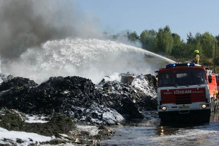 Das  Feuer hatte sich auf einer Fläche von etwa einem Hektar ausgebreitet.