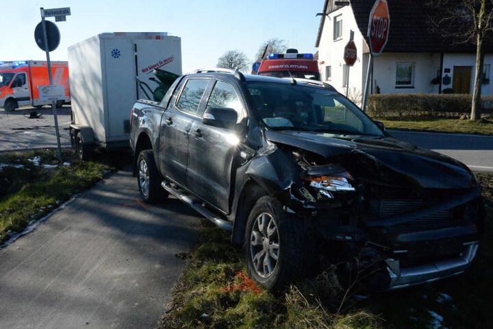 Der 43-jährige Pick-up-Fahrer aus Schmallenberg erkannte die Situation zu spät.
