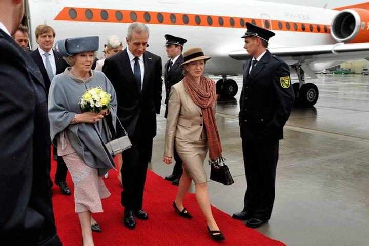 2011 schaute die niederländische Königin Beatrix samt Familie in Dresden vorbei. Sie brachte einen Teller aus Delft mit.