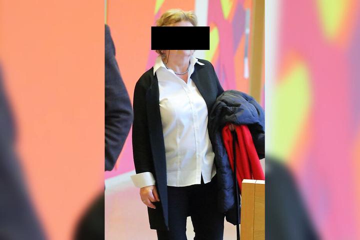 Martina G. (68) hatte wegen eines Autoschadens Ärger mit der Justiz.