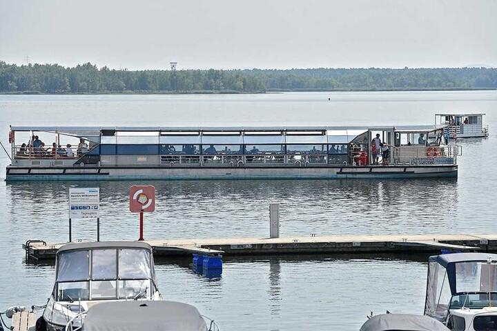 Dieses Passagierschiff wurde extra für die Fahrt zum Nachbarsee gebaut. Denn: Sein Vorgänger war zu groß.