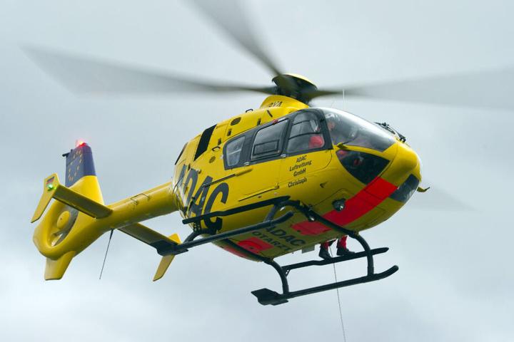 Der 79-Jährige kam per Hubschrauber in eine Spezialklinik. (Symbolbild)