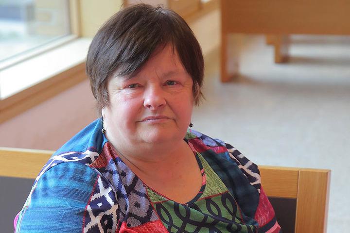 Bei Helga Staudte (66) in der Wäscherei wurden seinerzeit die Trikots geklaut.