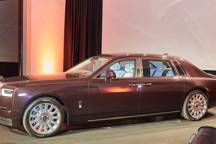 """Dieser Luxus-""""Panzer"""" kostet mehr als manches Haus: Ein Rolls Royce Phantom ist für Normalverdiener  eher was zum Bestaunen."""