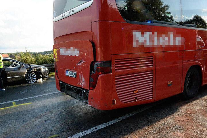 Auch ein Reisebus war verwickelt.