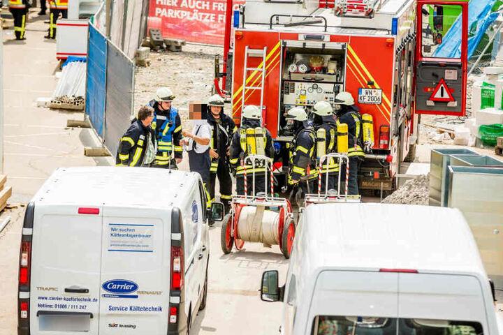 Die Floriansjünger rückten mit Atemschutzausrüstung an.