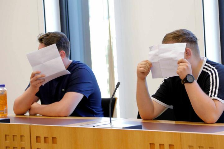 Die Angeklagten Eric T. und Marcel G. im Juli vor Gericht. Der dritte im Bunde (Max P.) fehlte damals wegen Krankmeldung.