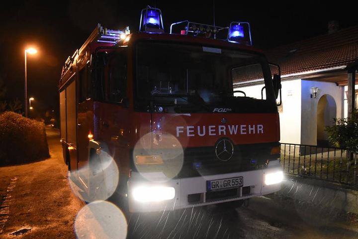 Gegen 18.10 Uhr musste die Feuerwehr wegen eines brennenden Schuppens ausrücken.