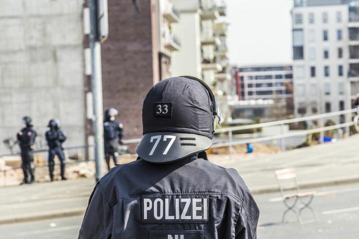 Die Polizei musste mit einem Großaufgebot einschreiten (Symbolbild).