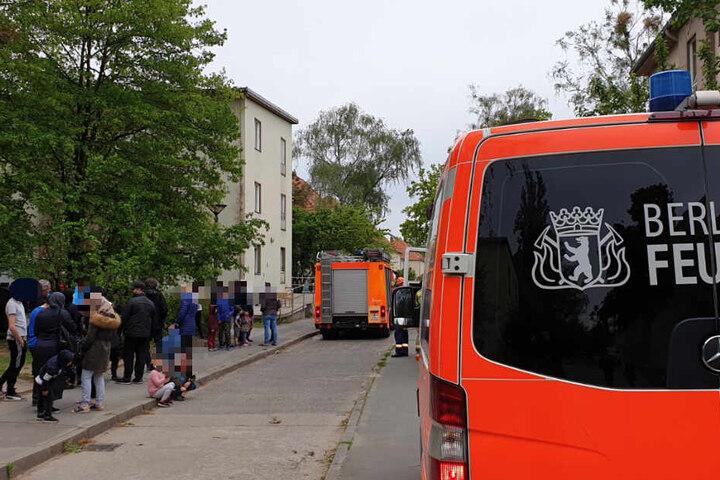Auch die Berliner Feuerwehr ist im Einsatz vor Ort.