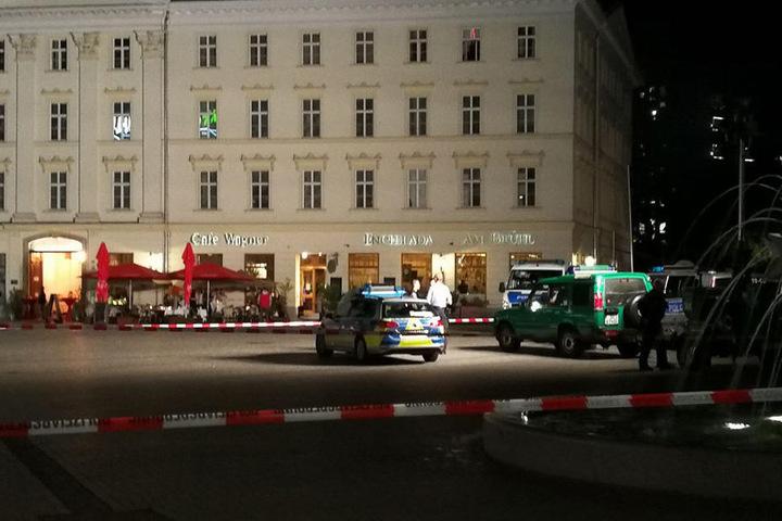 Gegen 21 Uhr rückte die Polizei am Samstagabend zu einem Großeinsatz in die Innenstadt aus.
